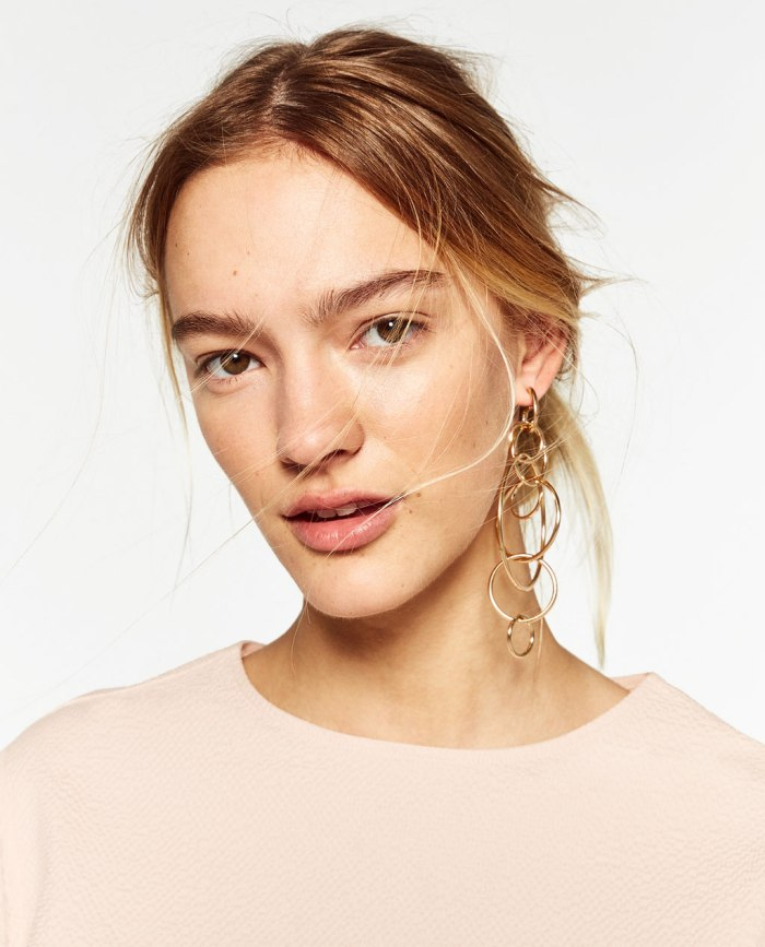 zara-blush-with-earrings